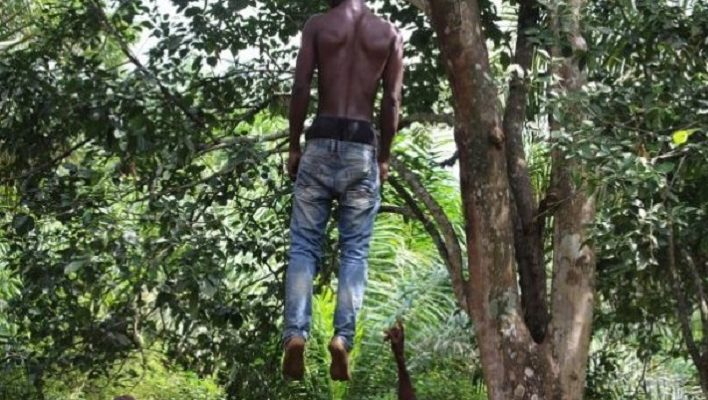 Un homme se suicide en se donnant la mort par pendaison