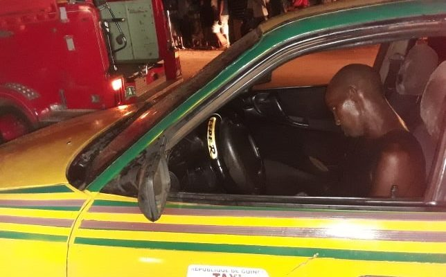Ce taximan est mort au volant de sa voiture (crédit photo Sory Kandia)