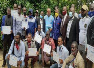 Des travailleurs de la Société des eaux de Guinée (SEG)