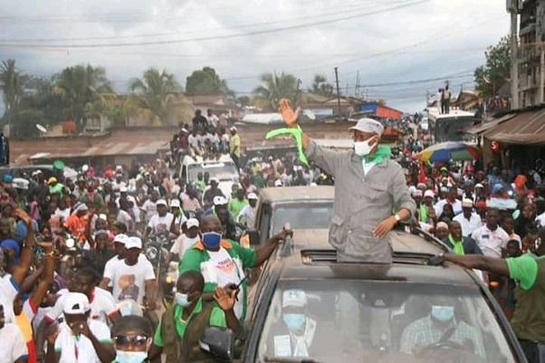 Cellou Dalein Diallo accueilli triomphalement à Gueckedou