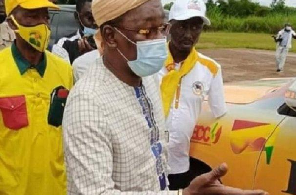 Papa Koly Kourouma avec le Directeur général de la SEG Pépé Patrice Loua