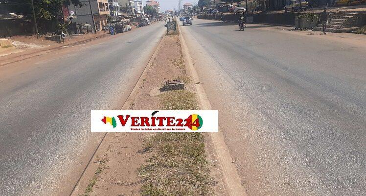 La route Le Prince a l'air d'une ville morte lors d'une manifestation appelée par l'opposition