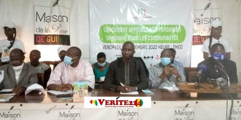 Lors du lancement officiel de la Fondation Di-Singué pour l'humanitaire de l'écrivain Daouda Bangoura