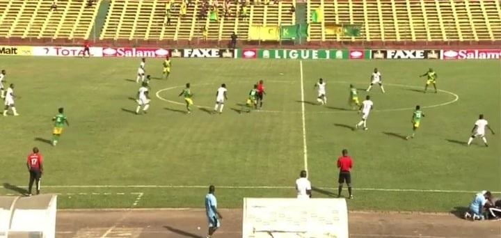 Match entre Wakriya AC de Boké et le Club Industriel de Kamsar (CIK) au stade du 28 septembre