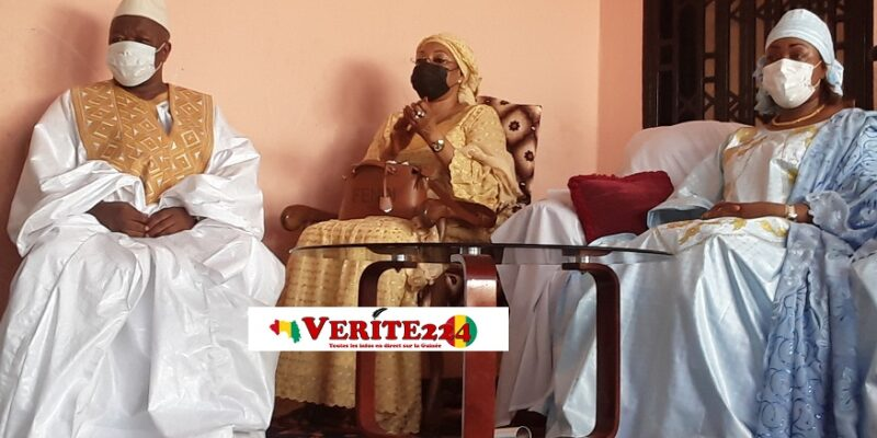 Elhadj Djeliba Diaby avec la première dame Djene Kaba lors de la réception de son prix