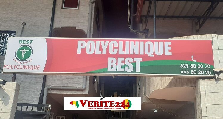A l'entrée de la polyclinique Best Médical Center