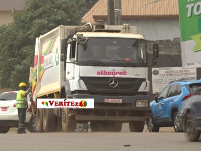 Un camion du ramassage de la société Albayrak