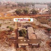 Une vue aérienne de la casse de Kaporo-rails