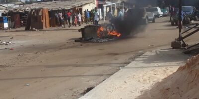 Violente manifestation à Kaloum (crédit photo Kababachir)